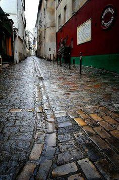 rue saint rustique paris 18e