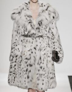 Discovered by LX LUSA. Find images and videos about fashion on We Heart It - the app to get lost in what you love. Dennis Basso, Snowy Day, Fur Fashion, Lynx, Angelina Jolie, Fur Coat, Style Inspiration, Couture, Fall