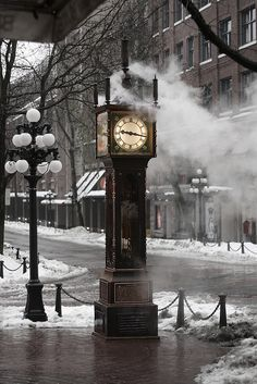 Gas Town Steam Clock in Vancouver, Canada. Vancouver Bc Canada, Vancouver Island, Vancouver Wallpaper, Canada Tumblr, Grandmother Clock, Wall Painting Decor, Toronto, Steampunk Clock, City Aesthetic