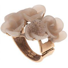 OSCAR DE LA RENTA Resin Swirl Flower Bracelet ($179) ❤ liked on Polyvore featuring jewelry, bracelets, rings, accessories, cuff bracelet, flower jewelry, bracelet bangle, hinged cuff bracelet and oscar de la renta