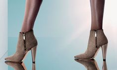 Jimmy Choo Hughie boots Fashion Models, Runway Fashion, Fashion Tips, Fashion Trends, Womens Fashion, Girl Fashion, Fashion Beauty, Tokyo Fashion, New York Fashion