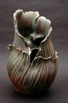 Ellen Sachtschale Ceramic Artist & Instructor Ellen Sachtschale is best known for the natural forms of her Garden Vessels and Blessing Bowls. She shares her original ceramic techniques in workshops and in courses she teaches at Civic Arts Education in Walnut Creek, CA and at workshops throughout the U.S.. She lives in Clayton, CA.
