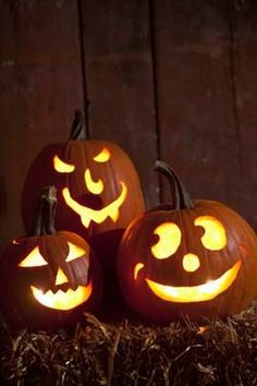 Carving Pumpkins for Halloween. I love that. I love everything about pumpkins- the way they feel, the way they smell inside, the way they sound when you thump them...