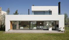 Diseño de casa moderna de dos pisos - vista de fachada