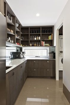 Kitchen Layout With Butlers Pantry Interior Design 67 Ideas Kitchen Cabinets, Kitchen Designs Layout, Kitchen Remodel, Modern Kitchen, Pantry Interior, Kitchen Layout, Diy Pantry, Pantry Design, Kitchen Design
