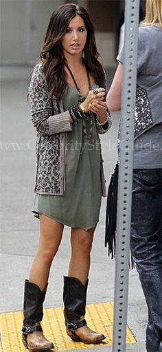 http://trendesso.blogspot.sk/2014/10/chic-falls-outfits.html