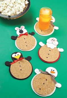 DIY cute Christmas Coasters. Free patters and instructions to craft these cute snowmen, Santa, penguin and polar bear coasters!