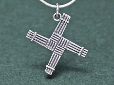 1000 images about celtic cross jewelry on pinterest celtic crosses cross pendant and celtic. Black Bedroom Furniture Sets. Home Design Ideas