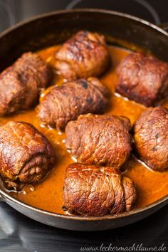 Beef roulades {classic- Rinder-Rouladen {klassiker A recipe for a classic: beef roulades. Meat Recipes, Vegetarian Recipes, Chicken Recipes, Cooking Recipes, Healthy Recipes, Drink Recipes, Easy Dinner Recipes, Easy Meals, Evening Meals