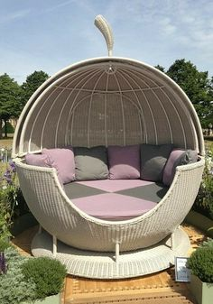 Creative ways inspirational gray leopard cave lounge chairs 2 – fugar Outside Furniture, Backyard Furniture, Cool Furniture, Outdoor Furniture, Lawn Furniture, Furniture Outlet, Luxury Furniture, Backyard Hammock, Balkon Design