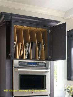 Best Ideas To Organized Kitchen Storage can find Kitchen organization and more on our website.Best Ideas To Organized Kitchen Storage 42 Kitchen Cabinet Organization, Kitchen Cupboards, Kitchen Pantry, New Kitchen, Organized Kitchen, Cabinet Ideas, Kitchen Modern, Storage Cabinets, Rustic Kitchen