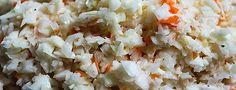 """Veganer Kohlsalat KFC Style Es ist """"Kappeszeit"""" und Kappes ist bei uns im Ruhrgebiet und Münsterland der Weißkohl. Da liegt es ja nahe, heute mal ein Rezept zu zeigen, in dem dieses Herbst- und Wintergemüse die Hauptrolle spielt."""