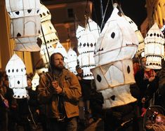 Burning the Clocks, Brighton, UK - A magical procession of brightly lit lanterns to mark the winter solstice culminating in an epic fireball on Brighton beach Retro Light Bulbs, Painting Lamp Shades, Egg Carton Crafts, Willow Weaving, Lantern Festival, Paper Light, Bird Cages, High Art, Winter Solstice