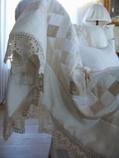 Mias Landliv: Favourite makes (take two); patchwork quilts...love the neutral colors...