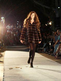 Presentación de la Colección Otoño-Invierno. Venta Online. hervaspiel.com/tienda/es Hipster, Style, Fashion, Riders Jacket, Fall Winter, Store, Fur, Women, Moda
