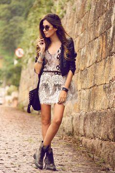 Slanciata, fashion e soprattutto comoda. Caratteristiche a cui le donne che scelgono le scarpe con rialzo Guidomaggi non devono rinunciare.  La fashion blogger Flavia #fashioncoolture indossa il modello New York W:  http://www.guidomaggi.it/collezione-lusso/scarpe-rialzate-donna/new-york-52-detail#.VEojICKsWSo
