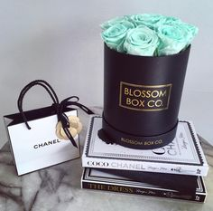 Oh the never ending love affair with Blossom Box Co. #roses #chanel #styleblogger