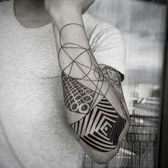 @balazsbercsenyi |  @TATTOO_GUIDE  #tattooartist #tattooist #tattooer…