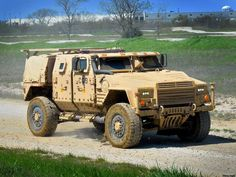 Here are the 3 high-tech vehicles vying to replace the Humvee