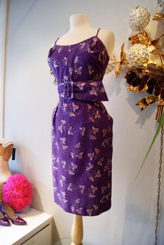 Sexy Vintage 50's Alfred Shaheen Hawaiian Bombshell Wiggle Dress Purple Cotton Metallic Print