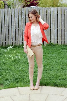 nude with a splash of color Anna Saccone: Mothers Day Outfits! Coral Blazer, Coral Sweater, Orange Cardigan, Outfit Des Tages, Big Girl Clothes, Girlie Style, Smart Outfit, Dress Attire, Zara