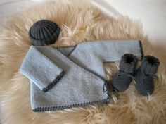 Hand Knitted Baby chaussons bleu 0-3 monthsbrand New