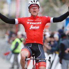 Tom Skujins del Trek - Segafredo se impuso en el Trofeo Lloseta - Andratx (1.1), penúltima prueba de Challenge de Mallorca. Nuevamente uno de los protagonistas de la jornada ha sido Alejandro Valverde. Trofeo Lloseta - Andratx (1.   #TomSkujins #Trek-Segafredo