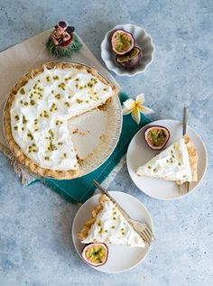 Hawaiian Passion Fruit Chiffon Pie (Lilikoi Chiffon Pie) www.pineappleandcoconut.com