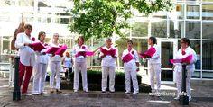 """♫ Konzerttipp: """"Die Damen"""" - Chor mit anspruchsvollem Repertoire. Die Damen singen a cappella, geleitet von der Sängerin und Stimmbildnerin Susanne Dünnebier. Feminin bis zum Noteneinband. In ihrem geistlichen Konzert singen """"Die Damen"""" demnächst die Messe breve op.167 von Cécile Chaminade, Mendelsohn, Rheinberger und andere Werke... #Konzerttipp #Chor #Repertoire #musik #die_damen #klassik"""