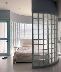 Bed mood via - Architecture and Home Decor - Bedroom - Bathroom - Kitchen And Living Room Interior Design Decorating Ideas - Glass Blocks Wall, Block Wall, Home Decor Bedroom, Bedroom Wall, Bedroom Divider, Home Furniture, Furniture Design, Glass Brick, Window Design