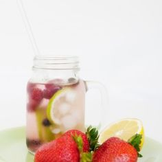 **7MM Siper Straw --25cm tall **Great for tall cocktails, youngsters or just everyday sipping. **Rid the planet of thousands of plastic straws. **One glass straw replaces thousands of plastic straws **Safe to use in hot and cold drinks. **Clear glass so there are no nasty surprises