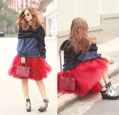 Mayo Wo - Frontrowshop One Sleeve Scarf, Tutulepetite Cranberry Tulle Skirt, House Of V Tassel Boots - Bandaged
