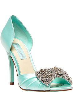 Zapato Cenicienta pero en azul de Betsey Johnson