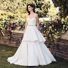 We can not get enough of swoon-worthy designs. Pallas Couture, Strictly Weddings, Beautiful Gowns, Wedding Gowns, Feminine, Bride, Elegant, Board, Color