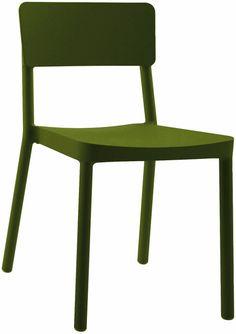 Chaise Lisboa - vert olive by Serralunga.  Retrouvez nos chaises de diner design sur amateur de design: http://www.amateurdedesign.com/