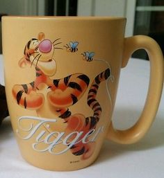 "DISNEY Store Exclusive Winnie the Pooh ""TIGGER"" Collectible 20 Oz  Coffee Mug"