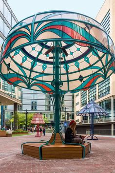 Acrylicize recently designed five giant lamp sculptures as part of a public art project for Piccadilly Place, in the city of Manchester, England.