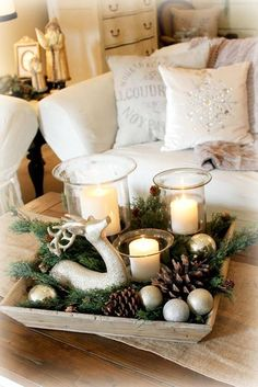 Simple Holiday Centerpiece Ideas