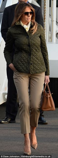 Melania Trump wears THIRD outfit of the day as she lands in Scotland Quilted Jacket Outfit, Burberry Quilted Jacket, Olive Jacket, Green Jacket, Donald And Melania, First Lady Melania Trump, Over 50 Womens Fashion, Winter Trends, Winter Outfits