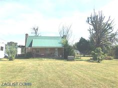 House for sale at 910 Highland Lane, Crossville, TN 38555  - Zaglist.com® #HouseForSale #House #ForSale #Crossville #Realestate Find Property, Property For Sale, Cumberland County, Land For Sale, Townhouse, Crossville Tn, Real Estate, Cabin, House Styles