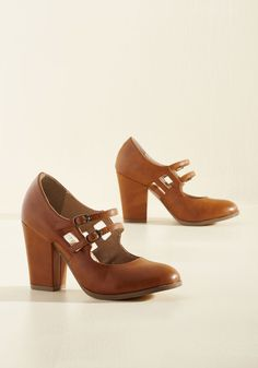 Uplift the Curtain Mary Jane Heel in Caramel. The debut of your latest inspirational monologue is the perfect opportunity to flaunt these tan block heels by Restricted! #brown #modcloth