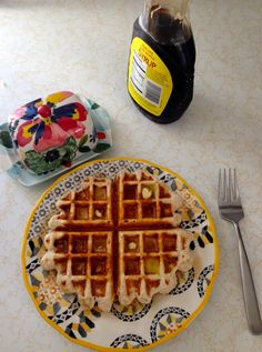 Easy healthy waffles: cup oats cup cottage cheese cup egg whites Mix in blender and cook Healthy Waffles, Healthy Treats, Protein Waffles, Breakfast For Kids, Breakfast Recipes, Breakfast Ideas, Pancakes And Waffles, Cheese Waffles, My Favorite Food