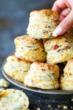 Black Pepper Cheddar Bacon Biscuits - So flaky, fluffy and buttery! With crisp bacon bits, sharp cheddar, black pepper + garlic. These are simply THE BEST! Bacon Recipes, Cooking Recipes, Stuffed Bread Recipes, Garlic Recipes, Vegan Recipes, Good Food, Yummy Food, Damn Delicious Recipes, Tasty