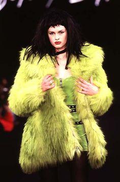 Betsey Johnson: RTW Fall 1996 Art Clipart, Image Clipart, High School Fashion, High Fashion, Fur Fashion, Fashion Hair, Betsey Johnson, Runway Fashion, Fashion Models
