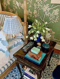 bedside table Mark Sikes Kips Bay bedroom - with gorgeous Gracie Chinoiserie wallpaper