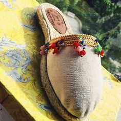 Samar, Heart Jewelry, Hippie Chic, Beautiful Shoes, Summer Shoes, What To Wear, Shoes Sandals, Espadrilles, Arts And Crafts