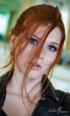 Redhead Girl......beautiful freckles!! or beauty freckles I should say.....DCH