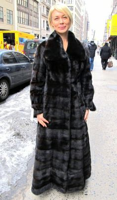 Pre-Owned Ruby Red Dyed Mink 3/4 Swing Coat ( size; 10 – 12)   New ...