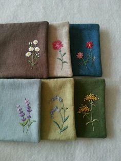 자수 초보 독학용 패키지~ 쉬운 스티치로 소박한 들꽃을 수 놓아보세요~ 바늘이 지나간 자리에 하늘하늘 고... Embroidery Purse, Flower Embroidery Designs, Simple Embroidery, Hand Embroidery Stitches, Modern Embroidery, Embroidery Techniques, Cross Stitch Embroidery, Embroidery Patterns, Sewing Crafts