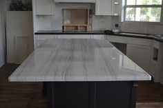 Think we have decided on White Macauba Quartzite for kitchen. Black Countertops, Kitchen Countertops, Kitchen Island, Kitchen Colors, Kitchen Ideas, Home Reno, White Paints, Diy Home Decor, Dining Table